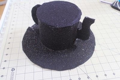 How to make a top hat. Teapot Top Hat - Step 18