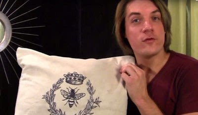 How to make a stitched cushion. Bee Yourself Pillow - Step 6