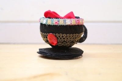 How to make a tea cup hat. Teacup Fascinator - Step 16