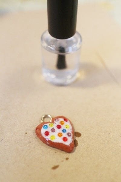 How to make a vial. Eat Me, Drink Me Necklace - Step 6