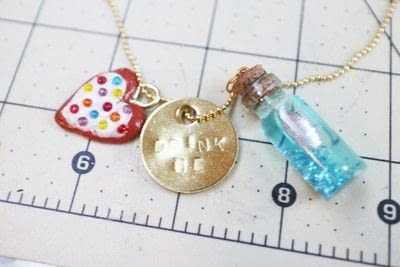 How to make a vial. Eat Me, Drink Me Necklace - Step 10
