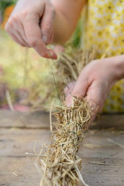 How to make a floral wreath. Dried Summer Wreath - Step 1