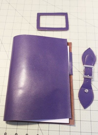 How to make a leather journal. Satchel Notebook - Step 9