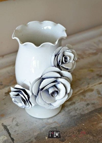 How to make a paper planter. Create A Decorative Flower Vase... With Paper! - Step 4