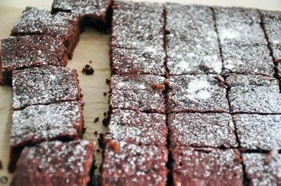 How to bake a beetroot brownie. Skinny Fudgy Cakey Beetroot Brownie Bites - Step 6
