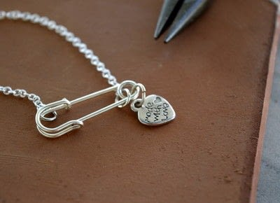 How to make a safety pin necklace. Safety Pin And Pearl Necklace - Step 4