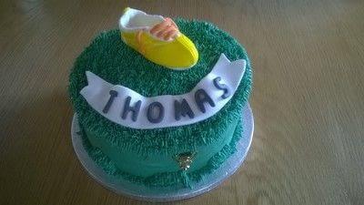 How to bake a vanilla cake. Football Boot Cake - Step 19