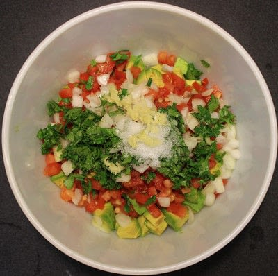 How to make guacamole. The Best Guacamole - Step 4