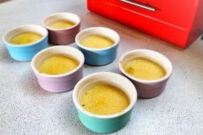 How to cook a crème brûlée. Lavender & Honey Creme Brulee - Step 8