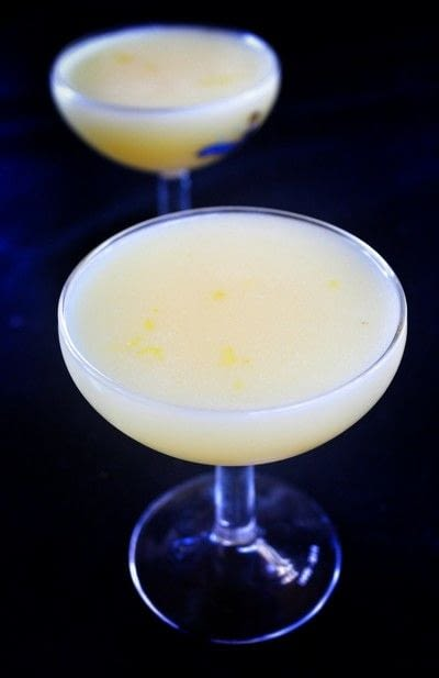 How to mix a lemon martini. Lemon Meringue Martini - Step 4