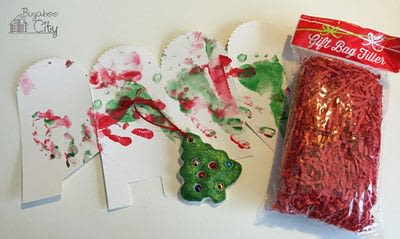 How to make an ornament. Toddler Ornament And Gift Box - Step 5