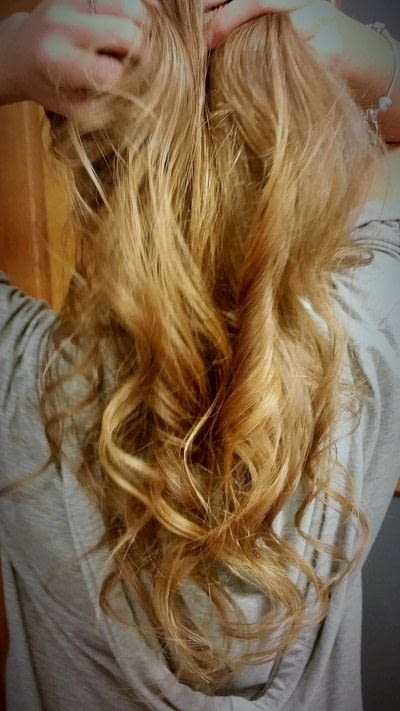 How to style a curly hairstyle / wavy hairstyle. 3 Day Curls - Step 6