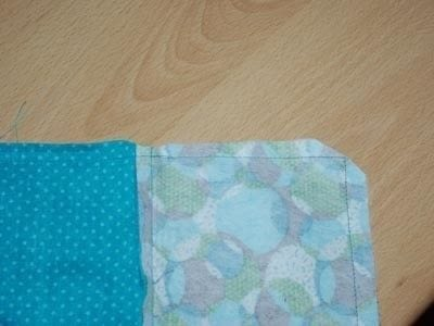 How to make a zipper pouch. Sewing A Zipped Purse - Step 4