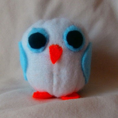 How to make a bird plushie. Mum And Baby Owl - Step 10