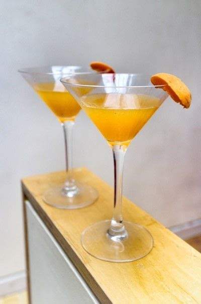 How to mix a martini. Apricot Martini - Step 5