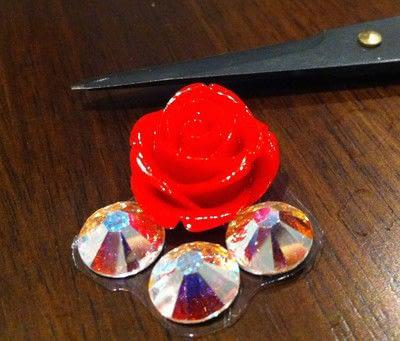 How to make an earring. Erickson Beamon Rose Garden Inspired Earrings - Step 1