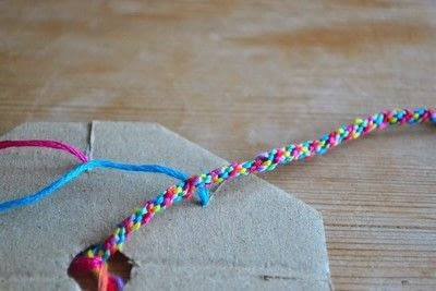 How to make a gift bow. Gift Wrap Ribbon - Step 10