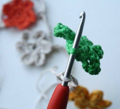 How to make a garland. Colorful Crochet Garland - Step 9