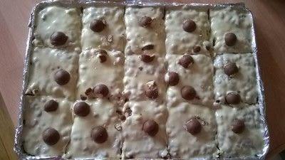 How to bake a bar / slice. Malteser Bars - Step 10