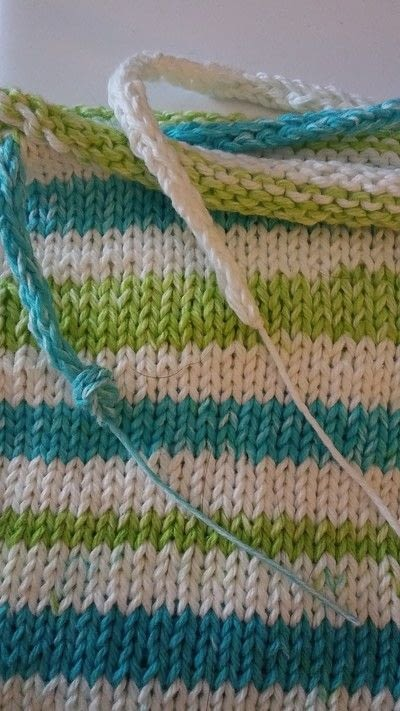 How to stitch a knit or crochet bag. Summer Totebag - Step 4