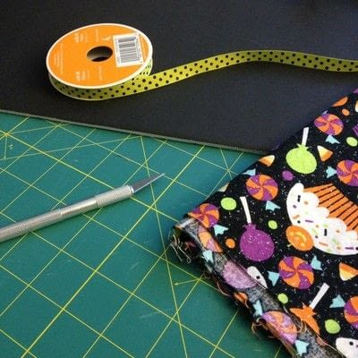 How to make a piece of textile art. Easy No-sew Fabric Sign  - Step 1