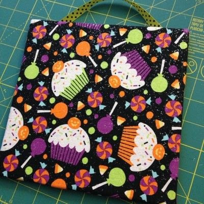 How to make a piece of textile art. Easy No-sew Fabric Sign  - Step 3
