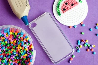 How to make a bejewelled case. Perler Beads Phone Cover - Step 1