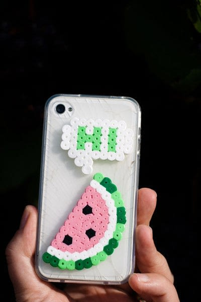 How to make a bejewelled case. Perler Beads Phone Cover - Step 5