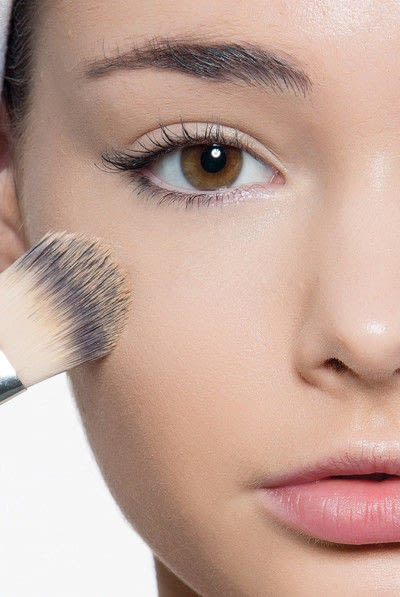 How to create a blue eye makeup look. Showgirl Transformation - Step 1