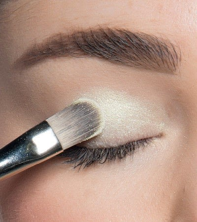 How to create a blue eye makeup look. Showgirl Transformation - Step 3