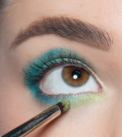 How to create a blue eye makeup look. Showgirl Transformation - Step 7