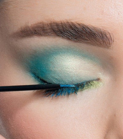 How to create a blue eye makeup look. Showgirl Transformation - Step 8
