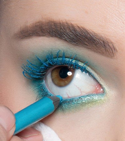 How to create a blue eye makeup look. Showgirl Transformation - Step 9