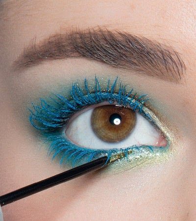 How to create a blue eye makeup look. Showgirl Transformation - Step 12