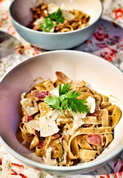 How to cook a tagliatelle. Mushroom, Red Onion & Parsley Tagliatelle - Step 6
