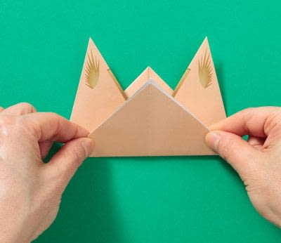 How to fold an origami animal. Puppet - Step 4