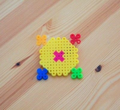 How to make a beaded brooch. Sailor Moon Perler Bead Transformation Brooch  - Step 1