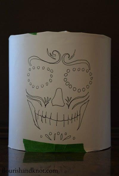 How to make a lantern. Día De Muertos (Day Of The Dead) Luminaries - Step 2