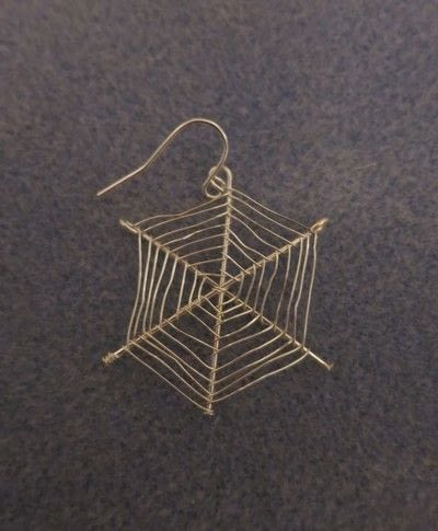 How to make a pair of wire earrings. Cobweb Earrings - Step 5