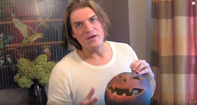 How to decorate a pumpkin. Barry's Pumpkin Scarecrow - Step 3