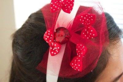 How to make a button headband. Nebraska Huskers Headband - Step 3