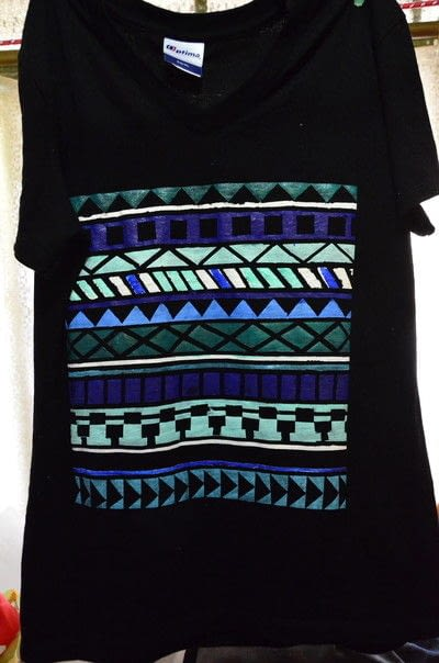 How to embellish a t-shirt. T Shirt Aztec Pattern With Maskingtape - Step 2
