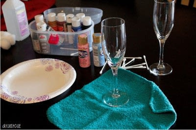 How to make a glass. Diy Polka Dot Champagne Flutes   Perfect For Parties! - Step 2
