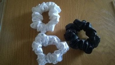 How to make a bobble / tie. Hair Bobble Scrunchies - Step 8