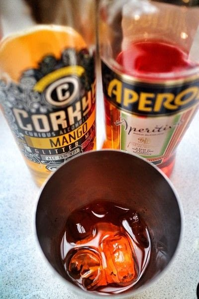 How to mix a gin cocktail. Irn Bruiser - Step 2