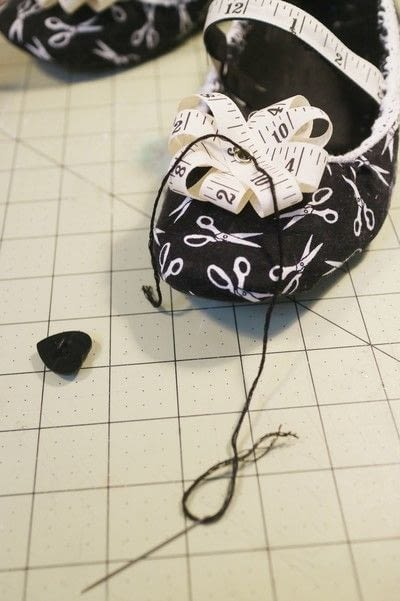 How to make a pair of fabric covered shoes. Seamstress Flats - Step 27