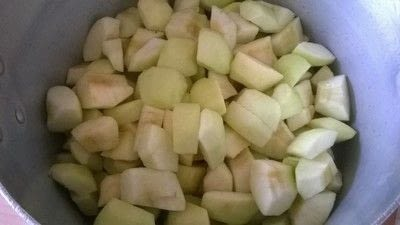 How to bake an apple pie. Apple Pie - Step 1