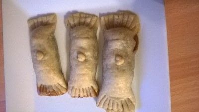 How to bake a pastry. Rolo Crackers - Step 7