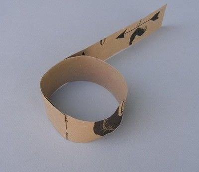 How to make a paper bracelet. Scrunched Paper Bangles - Step 3