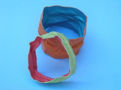 How to make a paper bracelet. Scrunched Paper Bangles - Step 5